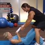 Antrenament acasa - Antrenament cu un partener - 2. Bent-over towel row