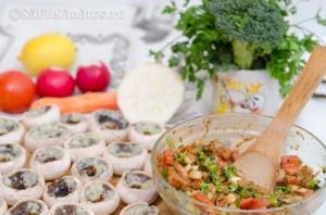 Ciuperci marinate umplute cu legume 1