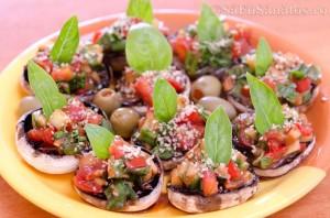 Ciuperci marinate umplute cu legume - ornate cu busuioc