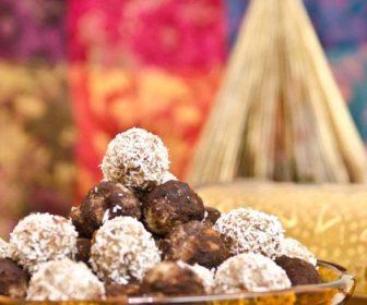 Trufe din pulpa de nuci, cocos si stafide 2