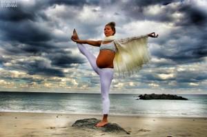 Femeie insarcinata - Yoga - 4