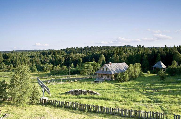 EcoFrontiers - Prima casa off the grid din lume - Rafal Lipski 3