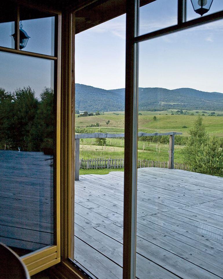 EcoFrontiers - Prima casa off the grid din lume - Rafal Lipski 8