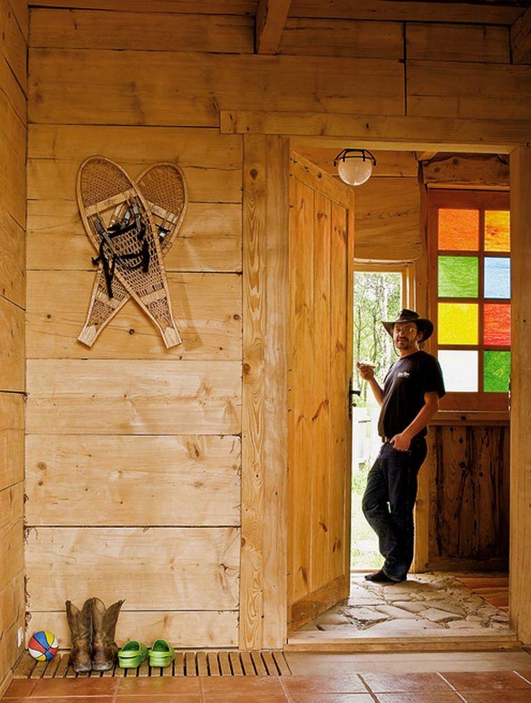EcoFrontiers - Prima casa off the grid din lume - Rafal Lipski 9