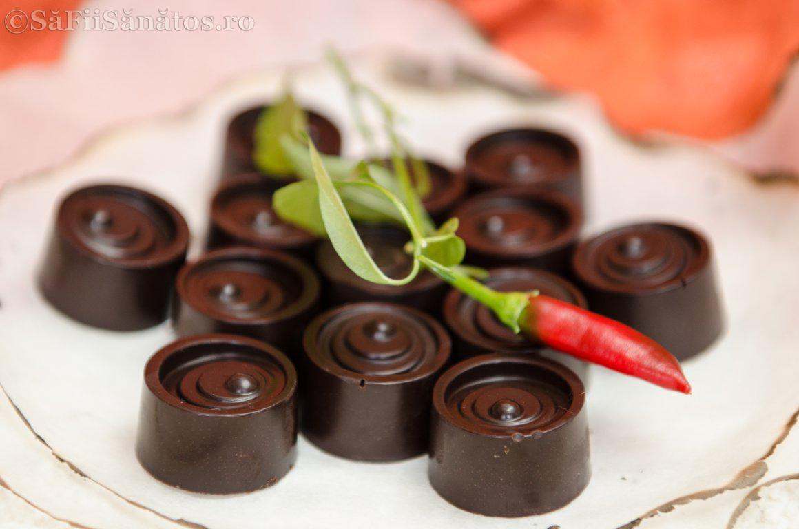 Praline de ciocolata raw vegane picante