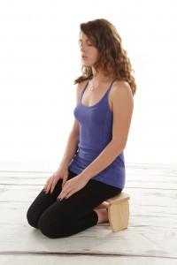 meditatie in genunchi